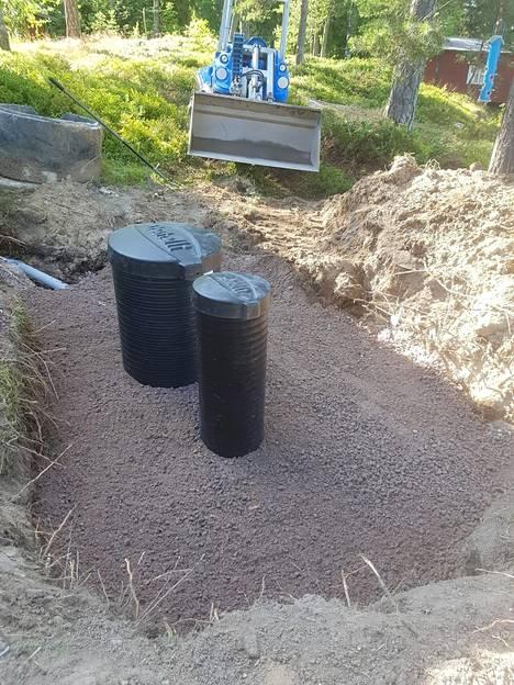 Kuopan täytön jälkeen vuorossa on enää maisemointi. Sen Grönberg aikoo tehdä viikonloppuna. Valmiin, uusitun jätevesijärjestelmän tulisi kestää kunnossa kymmeniä vuosia.