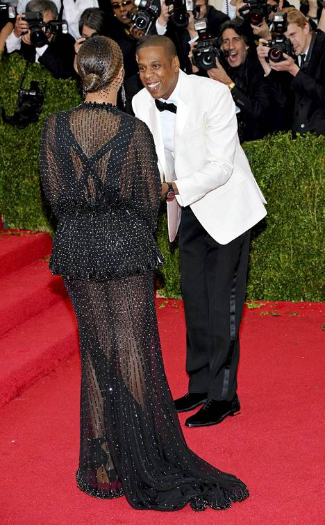 N?in onnellisilta Jay Z ja Beyonc? n?yttiv?t viel? alkuillasta.