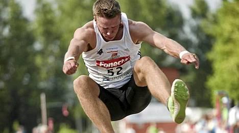 Roni Ollikainen hyppäsi karsinnasa 776.
