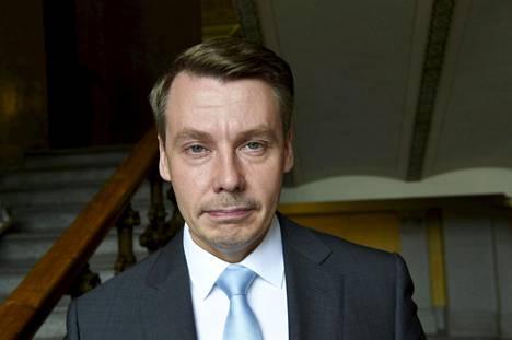 Lapsiasiavaltuutettu Tuomas Kurttila saa tehdä selkoa taksiajoistaan oikeusministeriölle.