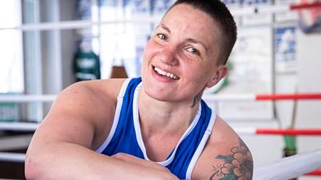 Elina Gustafsson lopetti nyrkkeilyuransa viime vuonna.