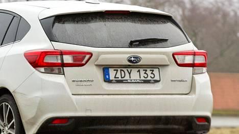 SVT: Ruotsissa suunnitellaan rekisterikilpien muuttamista värillisiksi – erottaisi bensa-, diesel-, kaasu- ja sähköautot toisistaan