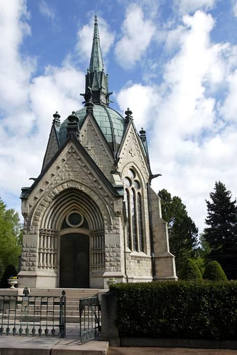Juséliuksen mausoleumi Porin Käppärän hautausmaalla on yksi kaupungin tunnetuimpia nähtävyyksiä. Sen arkkitehtuuri edustaa uusgotiikkaa.