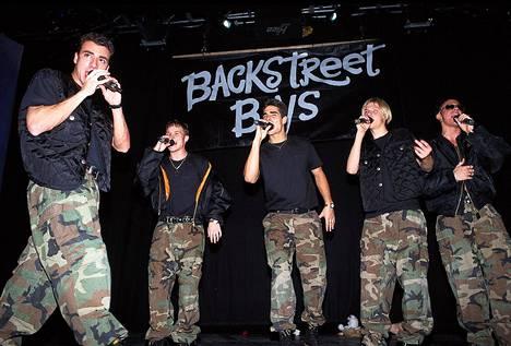 Bäkkärit lavalla joulukuussa 1996.