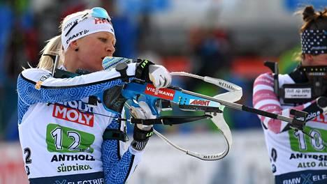 Kaisa Mäkäräinen hiihti Suomen sekaviestijoukkueessa.