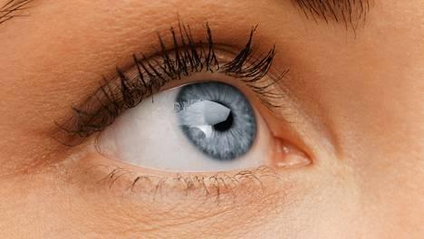 Nykiikö silmäkulmassasi joskus? Sen loppumiseksi on olemassa eräs äärimmäinen keino.