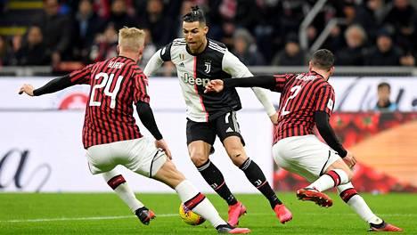 Juventuksen Cristiano Ronaldo ja muut Italian Serie A:n pelaajat pääsevät piakkoin vauhtiin pelikentillä.