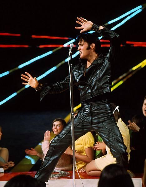 Joulukuussa 1968 Yhdysvalloissa esitetty Elvis-tv-show oli valtava yleisö- ja arvostelu- menestys. Se ampaisi Elviksen musiikkiuran hurjaan nousukiitoon Hollywood-vuosien jälkeen. Nykyisin ohjelma tunnetaankin nimellä '68 Comeback Special.