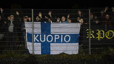 KuPS-kannattajat juhlivat viikko sitten voittoa liettualaisesta Suduvasta.