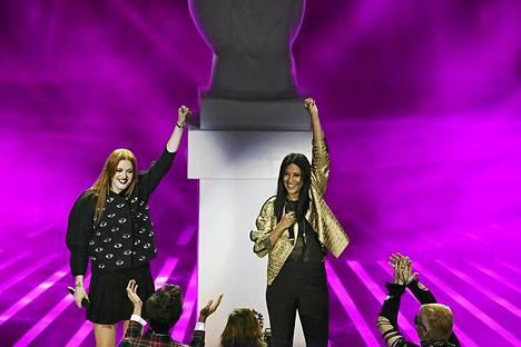Icona Pop keikalla Italiassa marraskuussa.