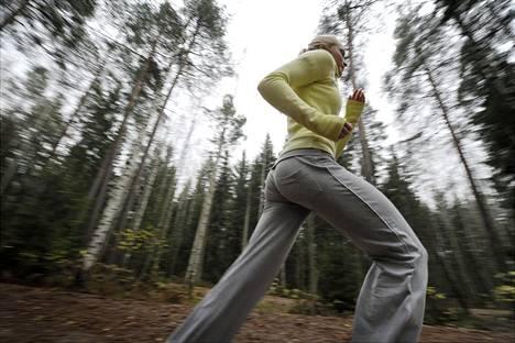HIIT nousi kuntoilijoiden suosioon kymmenisen vuotta sitten. Sen etuina pidetään esimerkiksi treenin lyhyttä kestoa.