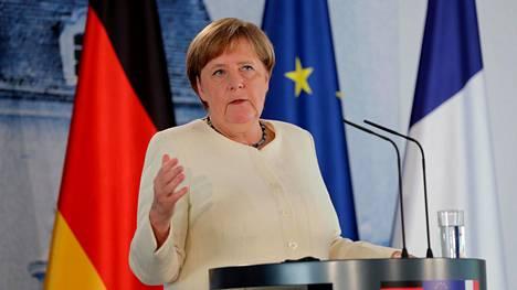 Saksan liittokansleri Angela Merkel puhui tiedotustilaisuudessa Mesebergissä 29. kesäkuuta 2020.