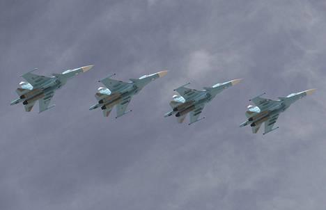 Venäjä hankkii lisää koneita, joiden joukossa on moderneja Suhoi Su-34 -rynnäkkökoneita.