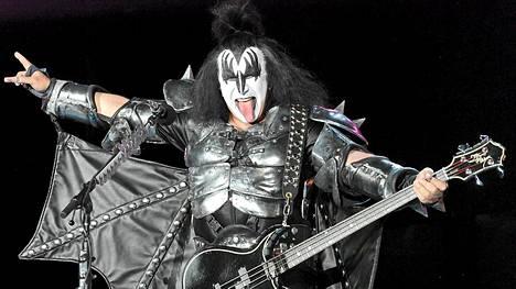 KISS-yhtyeen Gene Simmons on kampanjoinut Mitt Romneyn puolesta.