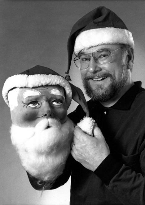 MTV:n ohjelma Karpon joulupaketti esitettiin joulukuussa 1992.