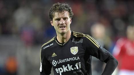 Mehmet Hetemaj puski SJK:lle 1–0-johtomaalin jo ensimmäisellä peliminuutilla.