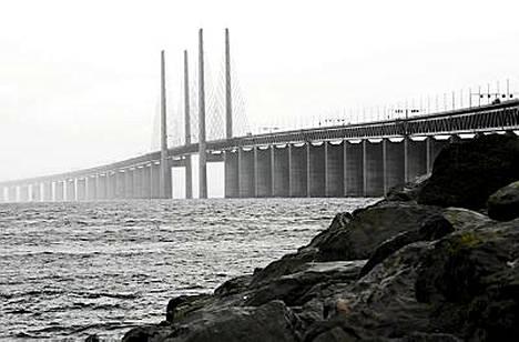 Juutinrauman silta on komea, mutta kallis ylittää.