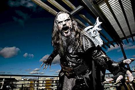 Lordin solisti Mr. Lordi eli Tomi Putaansuu ja rumpali Kita ovat jääneet jumiin New Yorkiin.