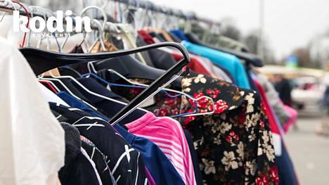 Asiantuntijan mukaan ihanteellista olisi, jos vanhoista vaatteista tulisi uusien vaatteiden raaka-ainetta.