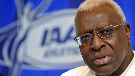 Lamine Diack erosi KOK:sta.