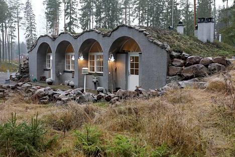 Talo on myynnissä 395 000 euron hintaan.