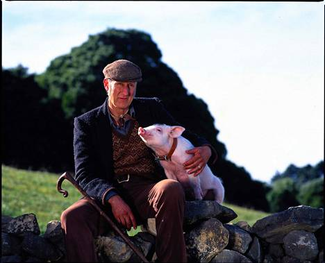 Arthur (James Cromwell) ja Babe-possu.