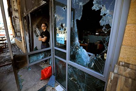 Arabien ja juutalaisten asuttamassa Acren kaupungissa on tuhottu omaisuutta.