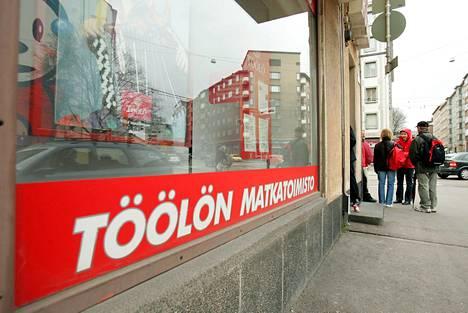 Suomen suurimpiin matkatoimistoihin lukeutunut Töölön matkatoimisto hakeutui konkurssiin keväällä 2005.