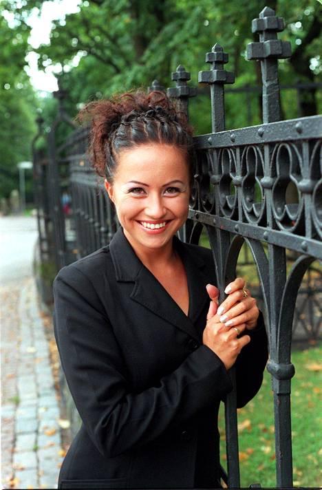 Jaana Pelkonen juonsi Tilt-ohjelmaa vuonna 1999.