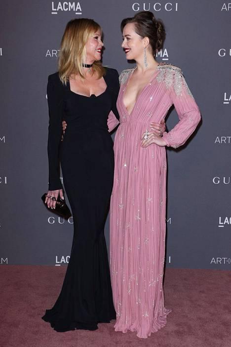 Melanie Griffithin tytär Dakota Johnson on niin ikään näyttelijä.
