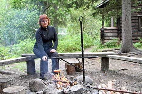 Paula Suurnäkki nauttii Kanjonin kurkkauksen hiljaisuudesta.