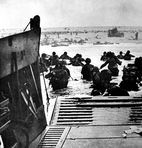 Operaatio Overlordiksi ristitty maailman suurin maihinnousuoperaatio alkoi 6. kesäkuuta 1944.