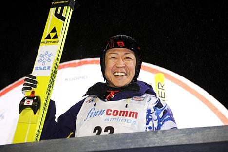 Maaliskuussa 2009 Takanobu Okabe voitti maailmancupin osakilpailun 38-vuotiaana. Kilpailupaikkana oli tuolloin Kuopio.