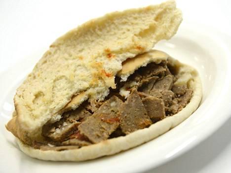 Pouttu XXL Kebab -pitaleipä kebablastuilla
