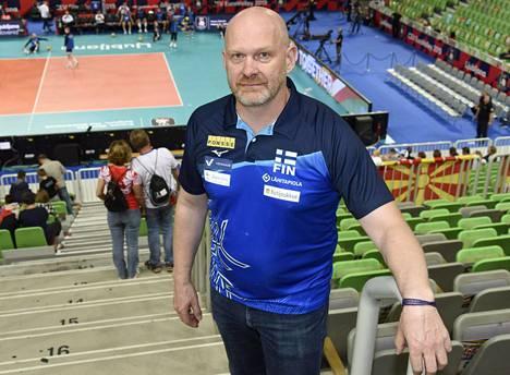 Lentopalloliiton toimitusjohtaja Seppo Siika-aho kommentoi Ilta-Sanomille valmentajan irtisanomista.