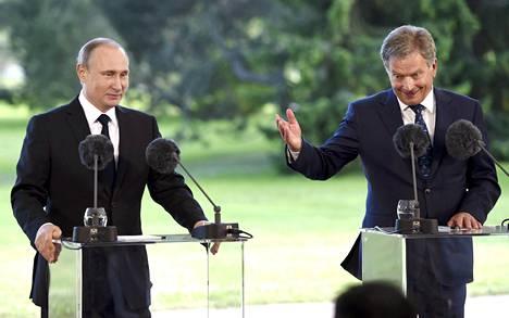 """Presidentti Vladimir Putin varoitti viikonloppuna Suomen Nato-jäsenyyden seurauksista, vaikka totesikin päätöksen olevan Suomen """"oma asia""""."""