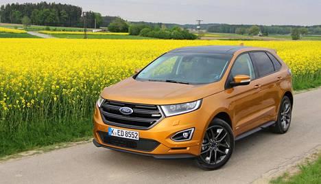 Edge on nyt Fordin suurin katumaasturi Euroopassa. Ajotuntuma on hyvin henkilöautomainen. Useista värivaihtoehdoista voi valita esimerkiksi kuvassa esiintyvän Electric Spicen.