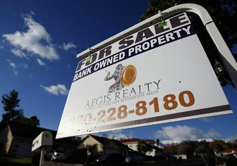 Ulosmitattava talo myynnissä Coronassa, Kaliforniassa, joulukuussa 2008.