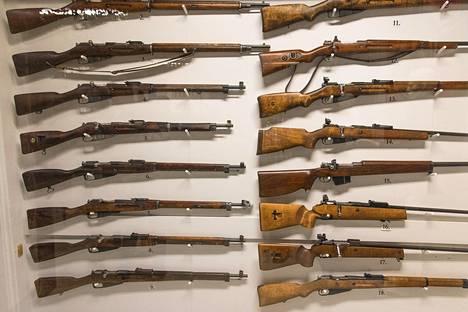 Kokoelmasta löytyvät kaikki Suomen puolustusvoimien käytössä olleet kiväärimallit.