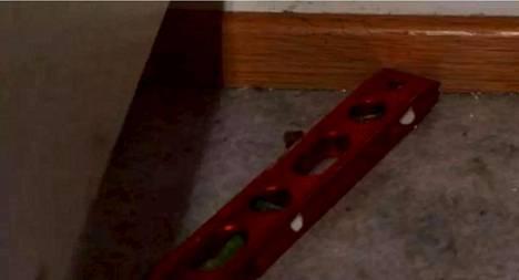 Murha-aseena toiminut vatupassi.