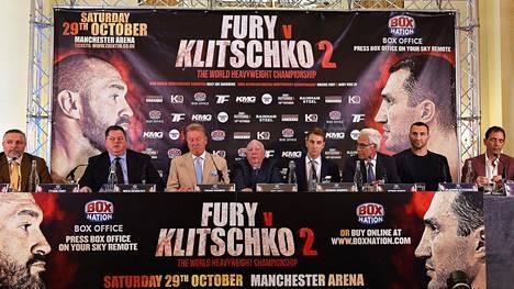 Ottelun lehdistötilaisuus järjestettiin 12. syyskuuta Lontoossa.