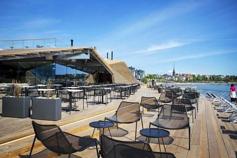 Löyly-saunaravintola sijaitsee Helsingin Hernesaaressa.