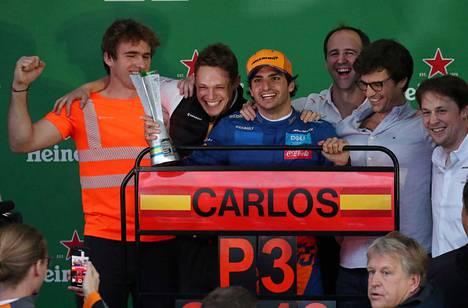 Sainzin ensimmäinen podium-paikka tuli hänen 101. F1-kisastaan.