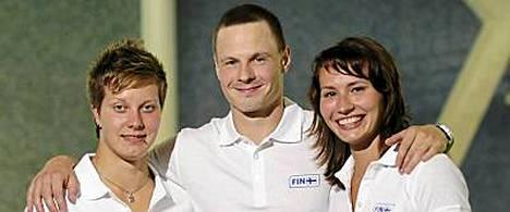 Kuvassa vasemmalta Taina Karvonen, Ville Vahtola ja Lena Putigina.