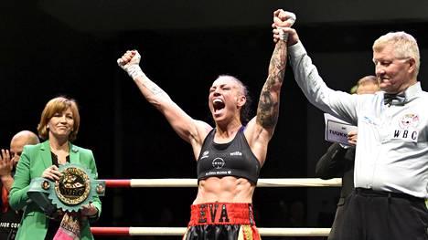 Eva Wahlström joutui tarkkailemaan painoaan koko nyrkkeilyuransa ajan.