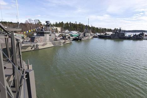 Rauma-luokan ohjusveneitä Pansion laivastoasemalla.