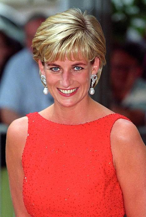 Prinsessa Dianan kuolema 20 vuotta sitten pysäytti koko Britannian.