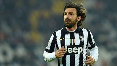 Andrea Pirlo on erinomainen esimerkki pelaajasta, johon niin lajin ammattilaisten kuin maallikoiden katse kiinnittyy.