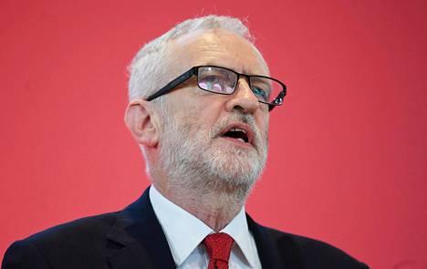 """Trumpin mukaan Britannia joutuisi """"pahoihin paikkoihin"""", jos työväenpuolue voittaisi joulukuussa vaalit Jeremy Corbynin johdolla."""