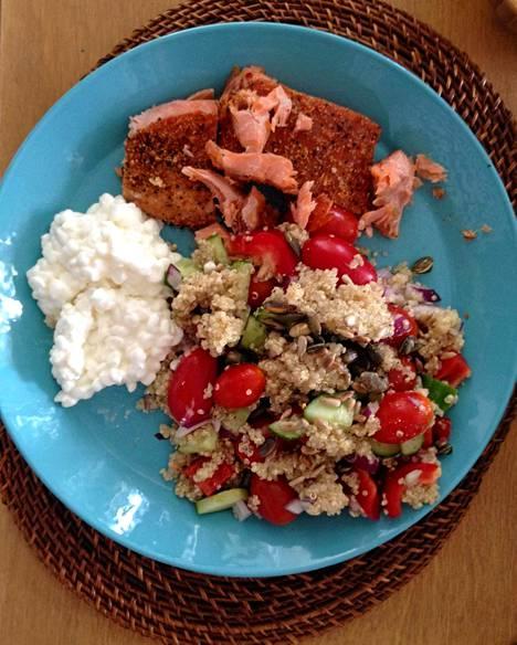 Pippurilohta ja kvinoasalaattia.